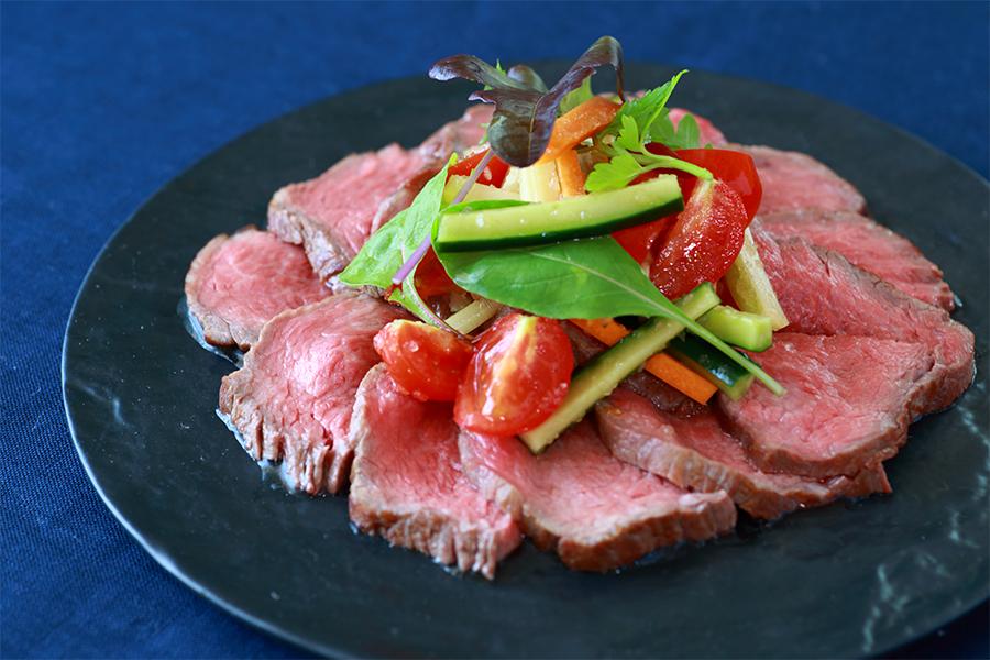 彩り野菜のローストビーフ